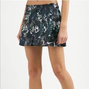 Nike flex floral tennis skirt size M